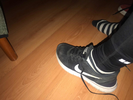 Zapatillas Nike Orginales, 2 Meses De Uso