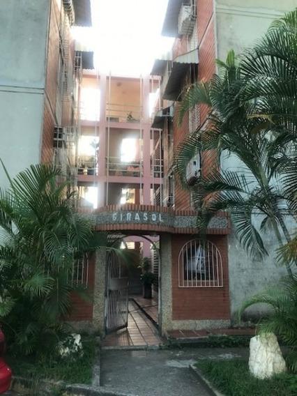 Apartamento En Venta Las Rosas Guatire