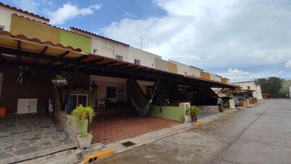Townhouse En Venta En Sabana Del Medio San Diego 21-2218 Forg