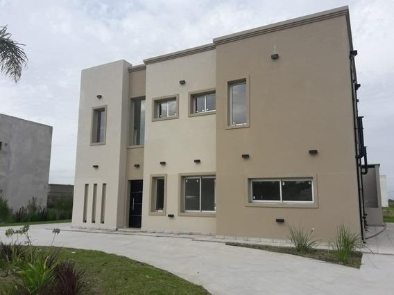 Casa En Lagos De Canning Con 4 Dormitorios Mas Dependencia