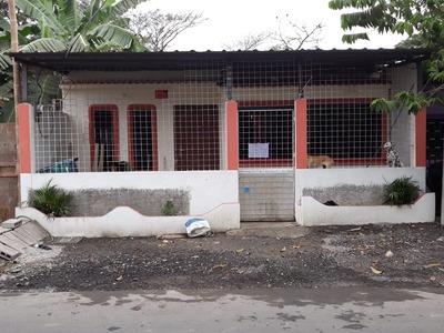 Casa De 6 Ambientes Y 2 Baños.