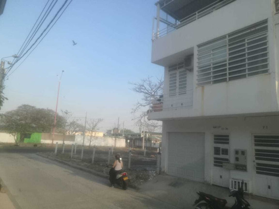 Casa En Yopal Tres Pisos (2 Apartamentos 1 Aparta Estudio)
