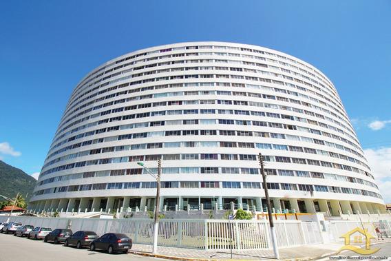 Apartamento No Bairro Centro Em Peruíbe - Lcc-2944