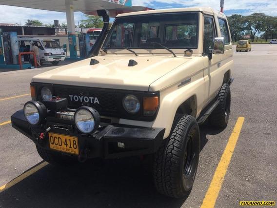 Toyota Land Cruiser Land Cruiser 2