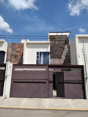 Renta De Casa Sola En Cuautlancingo, Puebla. A 5 Min De Vw.