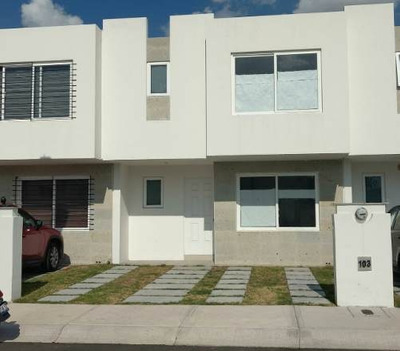 Mes/ Casa En Renta En Tres Cantos Residencial