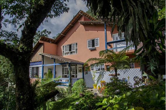Casa Sede, Dois Chalés, Duas Suítes, Garagem Coberta
