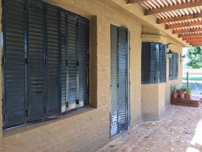 Casa Rural Reciclada En Barrio Haras Latina Negociable