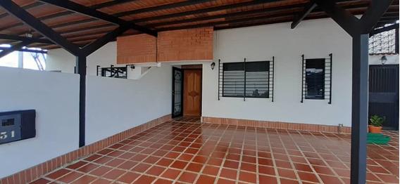 Alquilo Townhouse En Villas De Tipuro