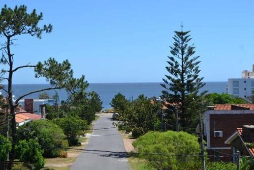 Vende Casa Playa Mansa 3 Dormitorios Vista Al Mar