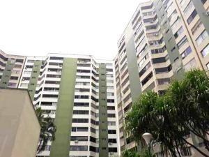Apartamento En Venta Las Acacias Carabobo 20-5082 Rahv