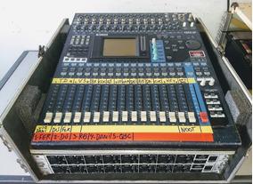 Mesa De Som Digital Yamaha 01v96 - 32 Canais - Com Case