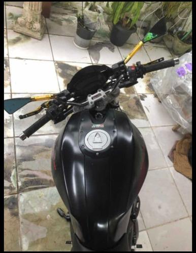 Imagem 1 de 9 de Ducati Monster 696