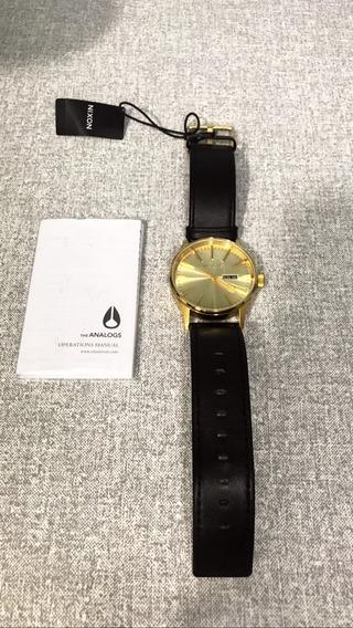 Relógio Nixon Sentry Leather Dourado (novo Na Caixa)