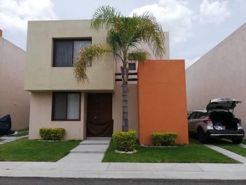 Casa Sola En Venta Puerta Real Residencial