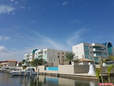 Carenero Yacht Club. Apartamentos En Venta, Lecheria.