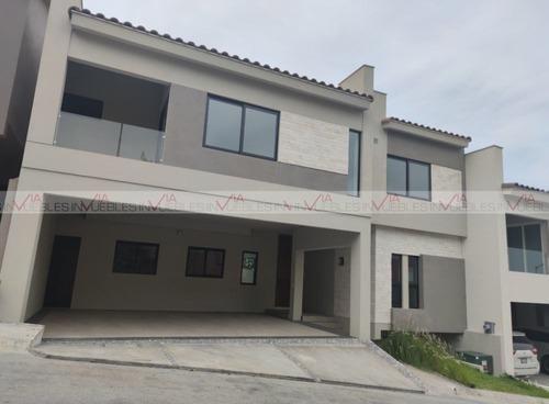 Casas En Venta En Sierra Alta, Monterrey, Nuevo León