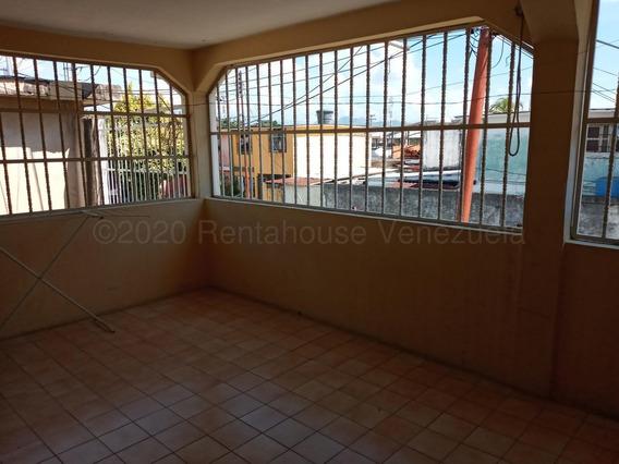 Casa En Venta. Urb. La Isabelica. Valencia 21-5294mcl