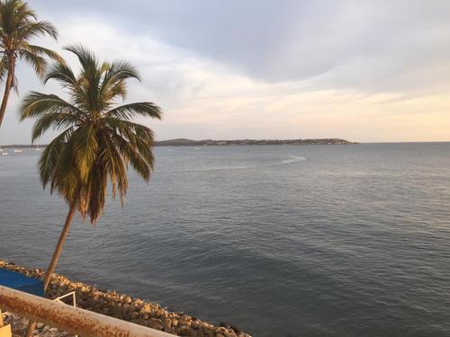 Venta De Fantástico Apartamento En El Laguito, Cartagena