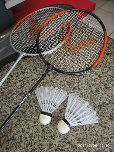 Kit Badminton 2 Raquetes + 2 Petecas