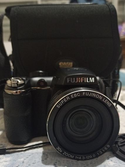 Câmera Fujifilm Super Zoom Acompanha Cartão De Memória