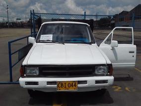 Camioneta Estacas Nissan 720