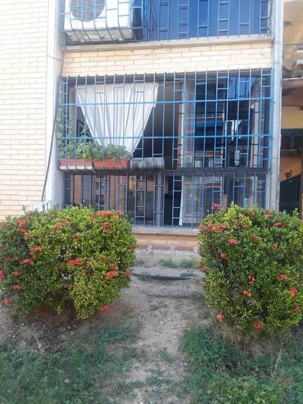 Vende Apto. La Trinidad, Castillejo, Guatire