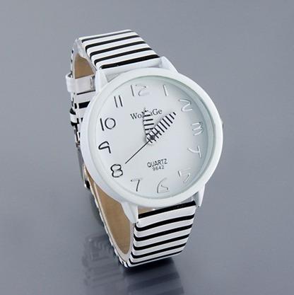 Relógio De Pulso Elegante Preto E Branco Listras