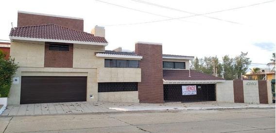 Residencia En Venta, Zona Centro, Coatzacoalcos, Ver.