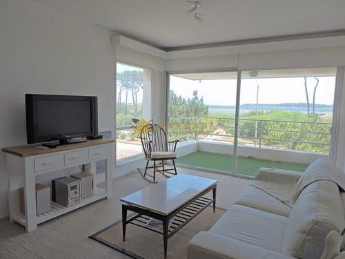 Apartamento 2 Dormitorio Y Cochera En La Mansa, Con Vista Al Mar. Consulte!!!!!!!- Ref: 2644