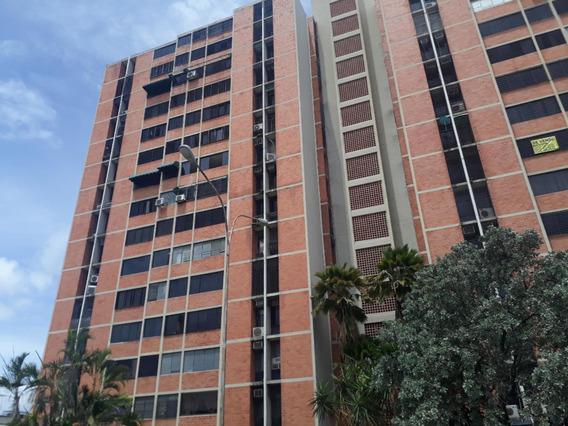 Apartamento En Venta Urb. Bosque Alto, Mcy Mls#20-20882 Jfi