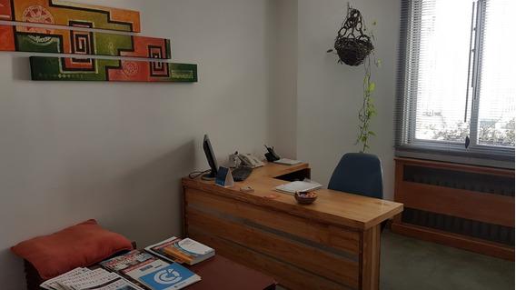 Oficina Amoblada Cochera Baulera Y Parrilla