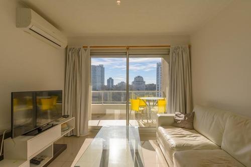 Venta Apartamento 2 Dormitorios Con Balcón Punta Del Este  Playa Brava