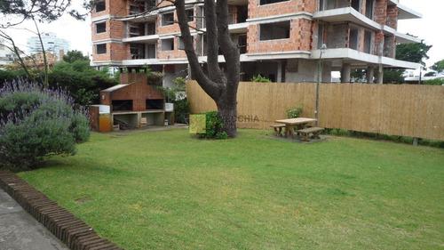 Apartamento En Aidy Grill, 2 Dormitorios *- Ref: 49373