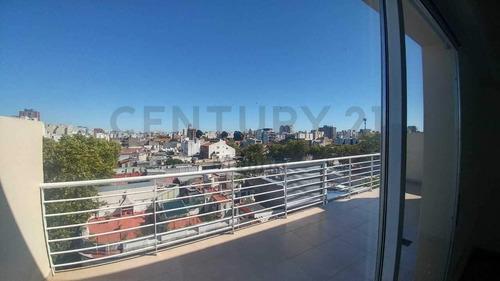Venta: Dos Ambientes  Balcón  Terraza Y Cochera En Balvanera