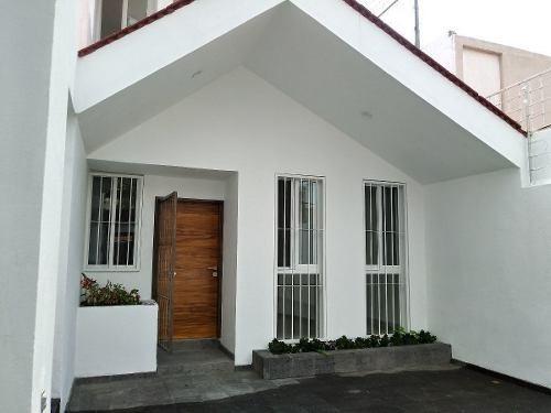 Casa En Venta Totalmente Remodelada En La Calma