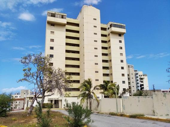 Apartamento En Venta Playa Grande Inmobiliaria Century 21 Jg