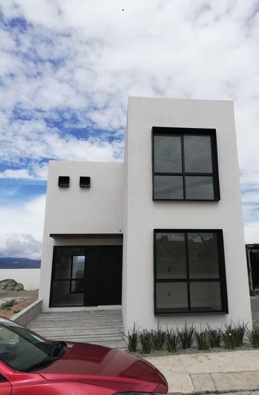 Casa Nueva, 3 Recamaras, Jardín Trasero, Estudio, 1 Baño , 1