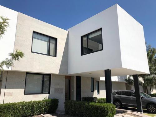 Casa En Renta En Dos Cantos, Juriquilla Santa Fe ***