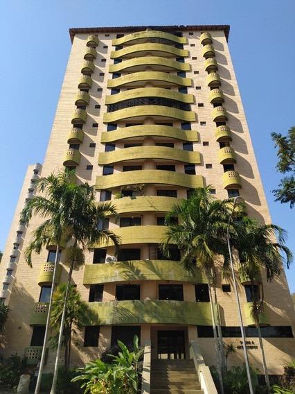 Nestor Moreno Vende Apartamento En Resd. Altos Del Mirador