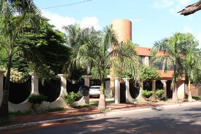 Alquilo Casa En San Lorenzo Barrio Los Nogales Cod 2886
