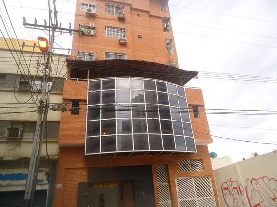 Apartamento En Venta En El Centro De Maracay 04121994409