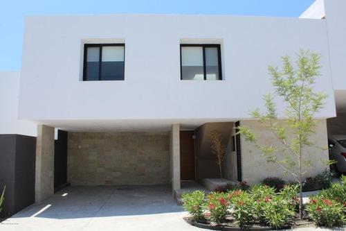 Casa En Renta En Zibata, El Marques, Rah-mx-20-1942