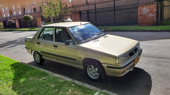 Renault 9 .