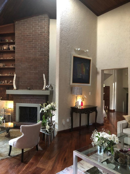 Hermosa Residencia, Amplia, Excelente Ubicacion.