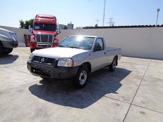 Nissan Np300 2014 Plata2.4 Pick-up Dh Mt