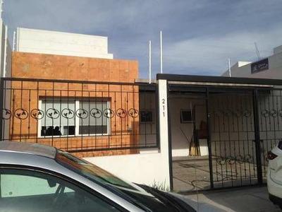 Renta De Casa Con 3 Recámaras En Juriquilla