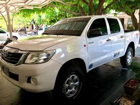 Camioneta Toyota Hilux Placa Blanca Con Cupo