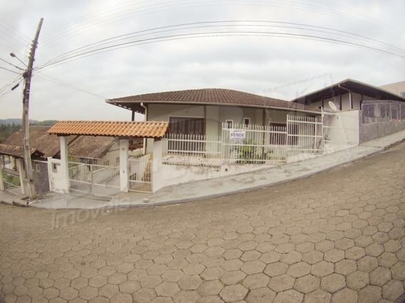 Casa Averbada De 2 Pavimentos No Bairro Itoupava Central, Contendo Área Construída De 290,00 M². - 3572007v