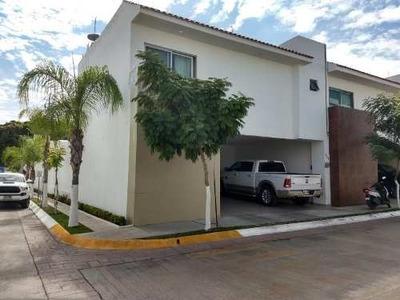 Casa Sola En Venta Fracc. La Antigua Residencial